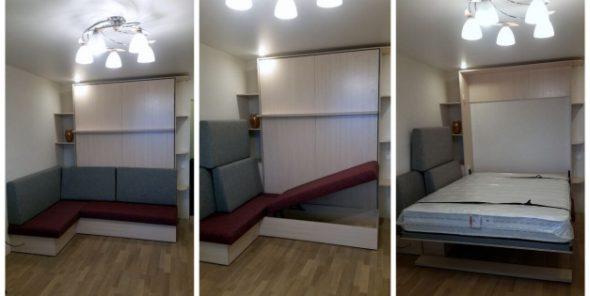 Case-lit avec un canapé dans le salon