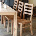 puiset tuolit keittiökuvaan