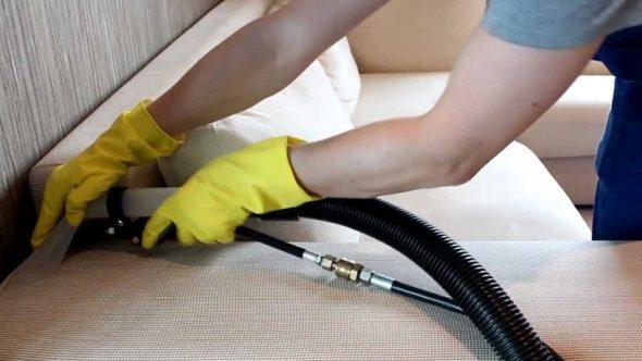 nettoyer le canapé