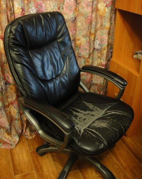 chaise d'ordinateur ancienne