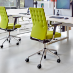 chaises vertes