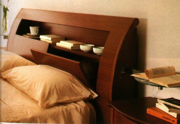Étagère de lit