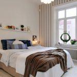 wandplank boven het bed