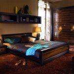 Hangplanken boven het bed