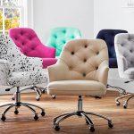 chaises de bureau de différentes couleurs