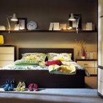 Plank over de foto van het bed
