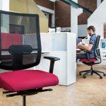 chaise de bureau noir lilas