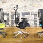 chaises de bureau modernes et lumineuses