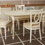 tuolit pöytäpuu keittiöön
