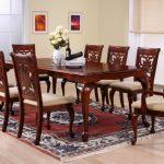 puiset pöytätuolit