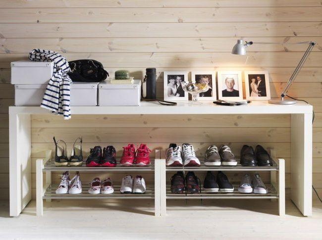 boîte à chaussures dans le hall