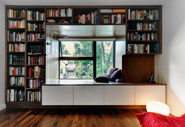 Een venster in het ontwerp van boekenplanken