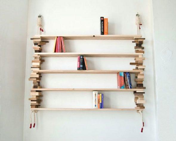 Alkuperäinen ripustettava hylly, joka on valmistettu puusta ja köydestä