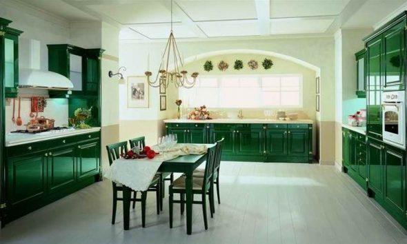 Variations de sets de cuisine verts