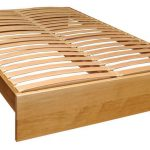 bed met orthopedische houten basis