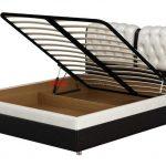 sänky, jossa on ortopedinen perushissi