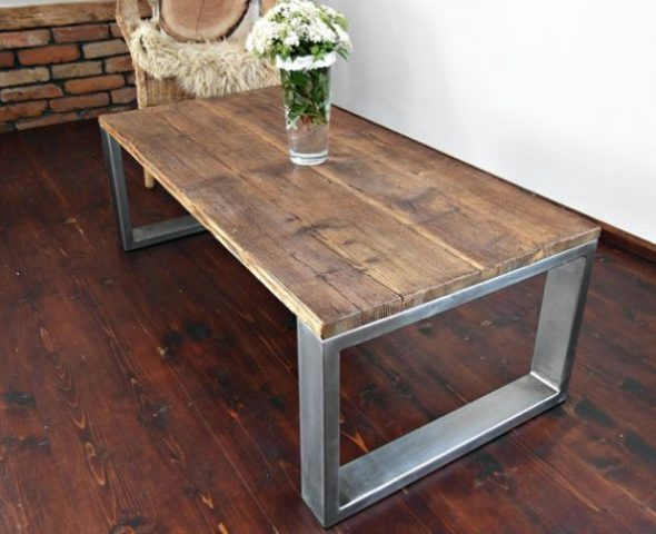 table avec tube de section rectangulaire