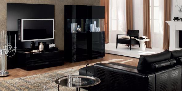 Les meubles noirs ajoutent un peu d'audace à l'intérieur.