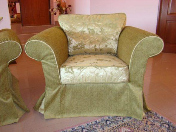 belle cape sur la chaise