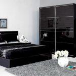 intérieur de chambre à coucher noir et blanc