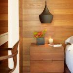 table de chevet en couleur de mur