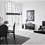 hall avec mobilier noir