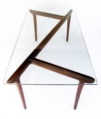 Table de designer en verre