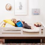 lit d'enfant avec les côtés