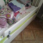 vauvan sänky puolella vikare