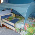 lasten sänky puolella