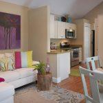 keuken woonkamer met een bank