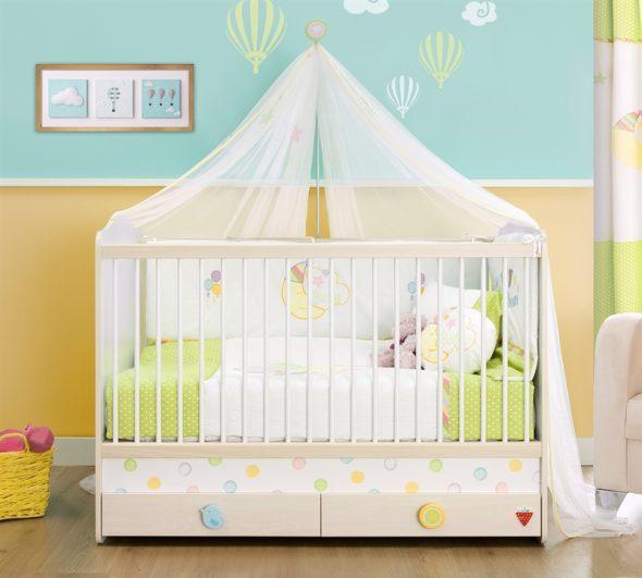 Pour le bébé installe un lit peu profond