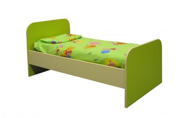 Le lit est vert pour le jardin