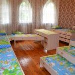 Lits et lits pour les meubles de jardin d'enfants