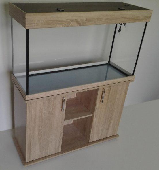 Curbstone sous un aquarium sur 120 litres
