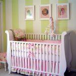 Lits dans le berceau pour les photos de nouveau-nés