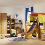 chambre d'enfants avec tente