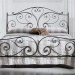 forgeage à froid d'un lit