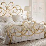 choisir un lit avec dos forgé