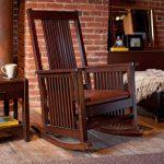 photo de chaise berçante en bois