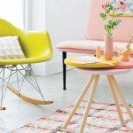 fauteuil à bascule jaune