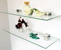 Étagère en verre