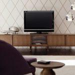 Table de nuit sous la télévision