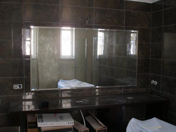 Miroir de salle de bain avec facette 10 mm