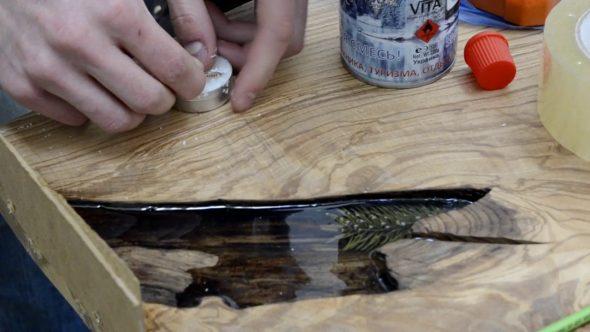 we maken een tafel met epoxyhars