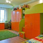 pour deux enfants la meilleure option serait un lit mezzanine avec un lieu de travail