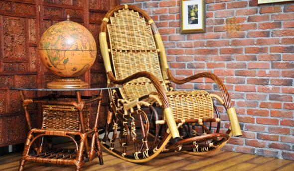 fauteuil à bascule en saule