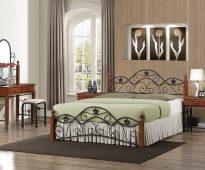 lits en fer forgé dans un intérieur moderne