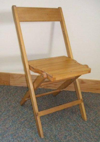 faire une chaise pliante en bois avec le dos