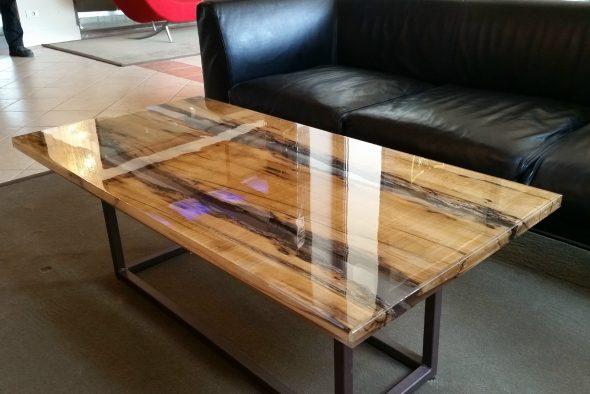tafel in het interieur
